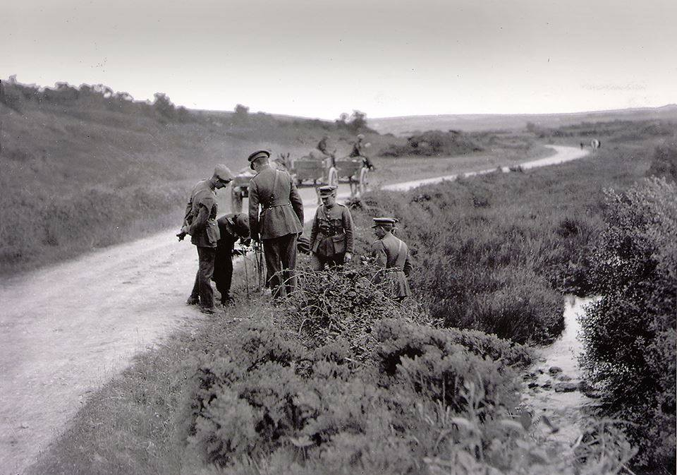 free-state-officers-at-ambush-site-aug-23rd