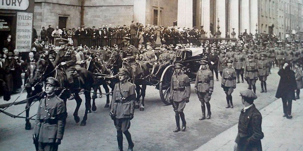 2.Michael-Collins-Funeral-passing-the-GPO