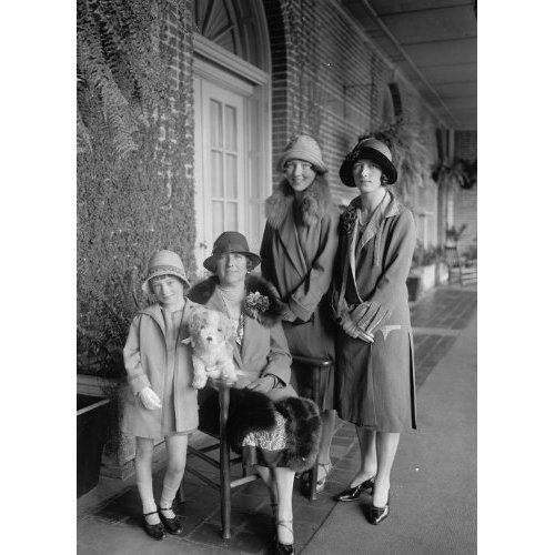 Ethna-Pearl-Cecil-and-their-Mother-Mrs.-Timothy-A.-Smiddy-1926